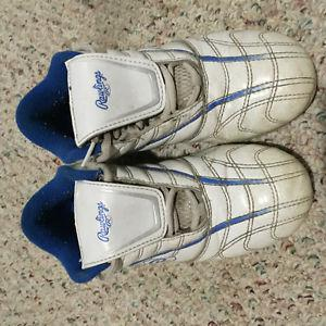 Boys Soccer Shoes Size 2,3,4 from $8