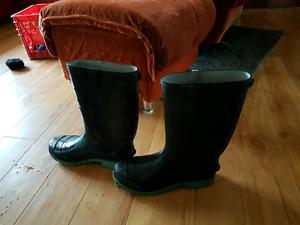 Brand new rubber boots 4 sale size 11