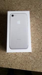 Iphone 7 32gb NEW NEVER OPENED telus