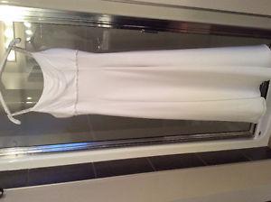 Simple gorgeous wedding dress