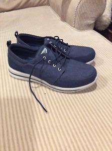 Sketchers shoes sz 12