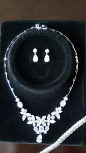 Wedding/ Prom Rhinestone necklace & earrings jewelry set,