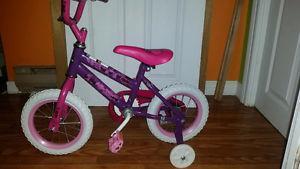 12In Girls bike and helmet