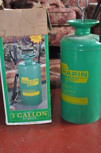 Chapin Plus 3 gallon sprayer NEW