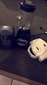 MixBlender, Grilled sandwich maker and Heater ! Must gone