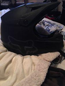 XS Fox V1 motocross helmet