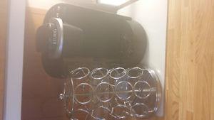 keurig coffee maker and pod holder