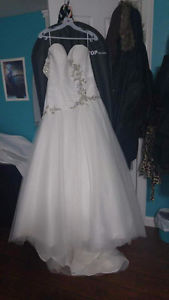 Beautiful Size 12 Wedding Dress