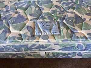 Queen size bed and box spring like new