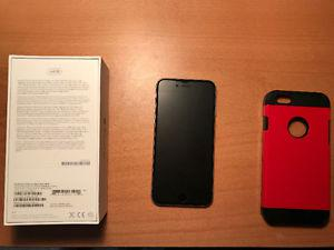 SELLING IPHONE 6 64GB SPACE GREY WITH SCREEN PROTECTOR AND