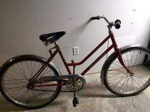 Women's Pacesetter single speed bike, (26 Inch tires)