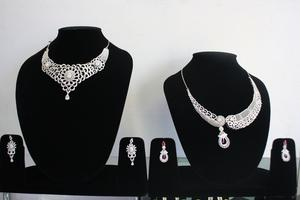 Designer Necklaces Brampton for Women newsilvershop SERVICES