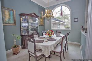 Dinning Room with Six Chairs and China Cabinet