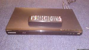 Wi-Fi Blu Ray player with remote control and HDMI cable