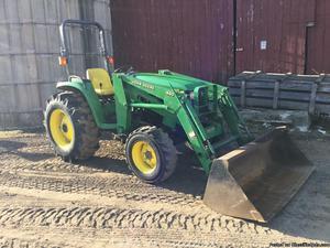 John Deere  Compact Loader tractor