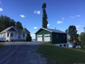 Maison 4 chambres Havre de paix au bord du Lac Témiscouata