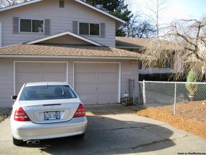 Big 3 Bedroom 3 bath house for rent in Kent
