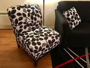 Chaise rembourrée blanc et noir