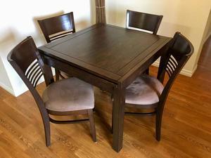 Mobilier de salle à manger extensible avec 4 chaises