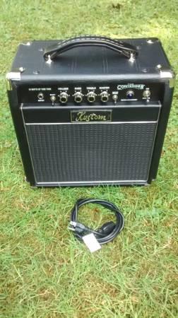 Kustom 18 watt hybrid tube electric guitar amp.The Contender