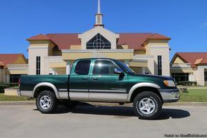 Toyota Tundra Green Truck