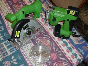 CORDLESS TOOLS WITH LARGE CASE