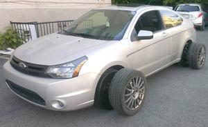 FORD FOCUS * Coupe - Sport *