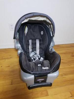 GRACO INFANT CAR SEAT / SIÈGE AUTO GRACO