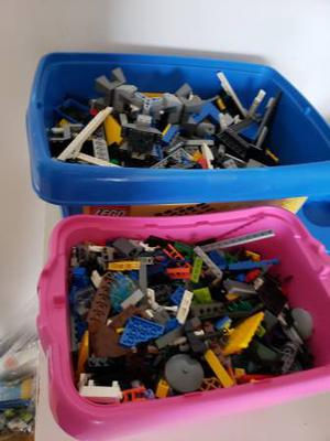 LARGE COLLECTION OF BULK LEGO FOR BEST OFFER