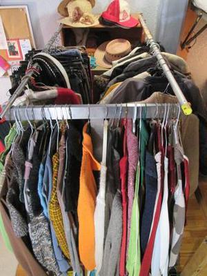 Vêtements toutes tailles, toutes saisons/All sizes, all