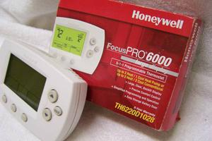 BRAND NEW HONEYWELL PRO  PROGRAMMABLE THERMOSTAT
