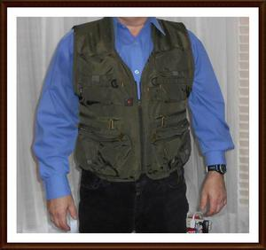 New Green XL Fishing Vest -15 Pockets Fits Like Large