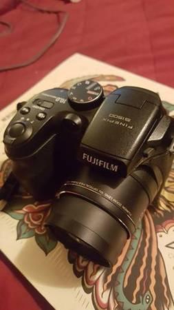fujifilm finepix s with extras