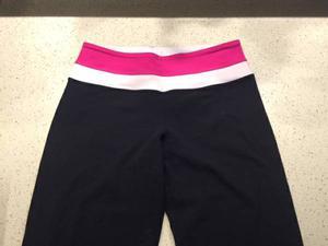 Lululemon Groove Pants, size 4 tall