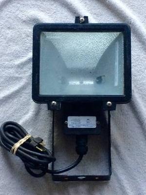 Up to 500-watt outdoor floodlight has a 300 watts bulb in