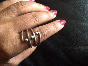Sterling Silver Ring (Size 7) with Beautiful Design