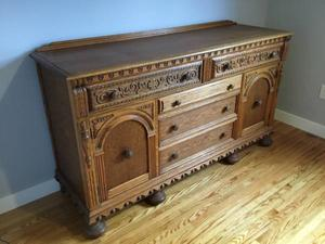 Beautiful Carved Oak Dining Room Set