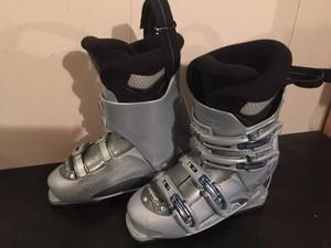 Woman's Size 7 Ski Boots, Nordica, good condition