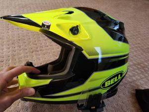 Bell MX-9 MIPS dirtbike helmet