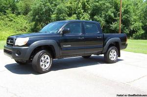 Toyota Tacoma Black Truck