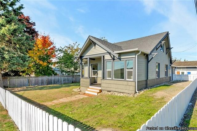 Beautiful Like New Craftsman Home w/ Complete Remodels!
