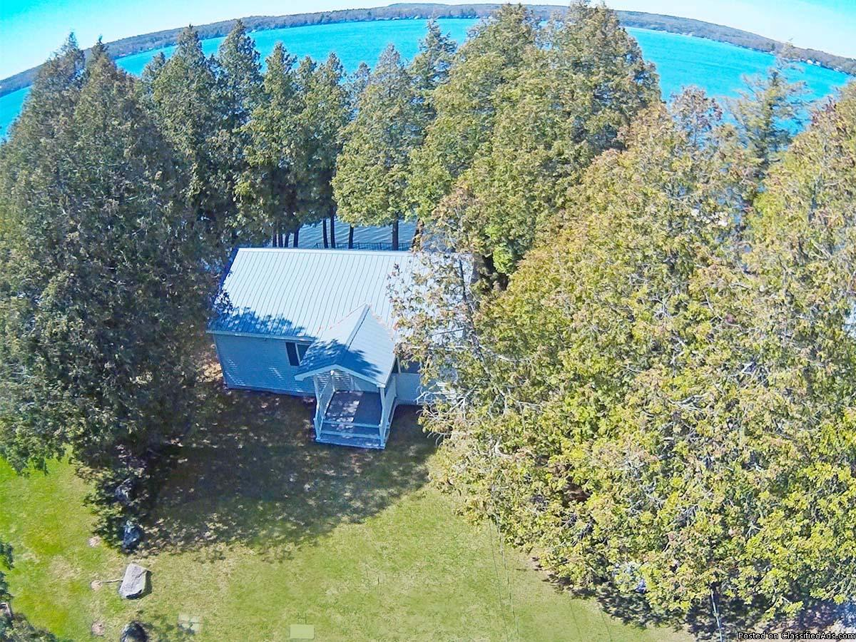 Cottage on The Lake: 2 Bed, 1 Bath, 60' Waterfront + Dock