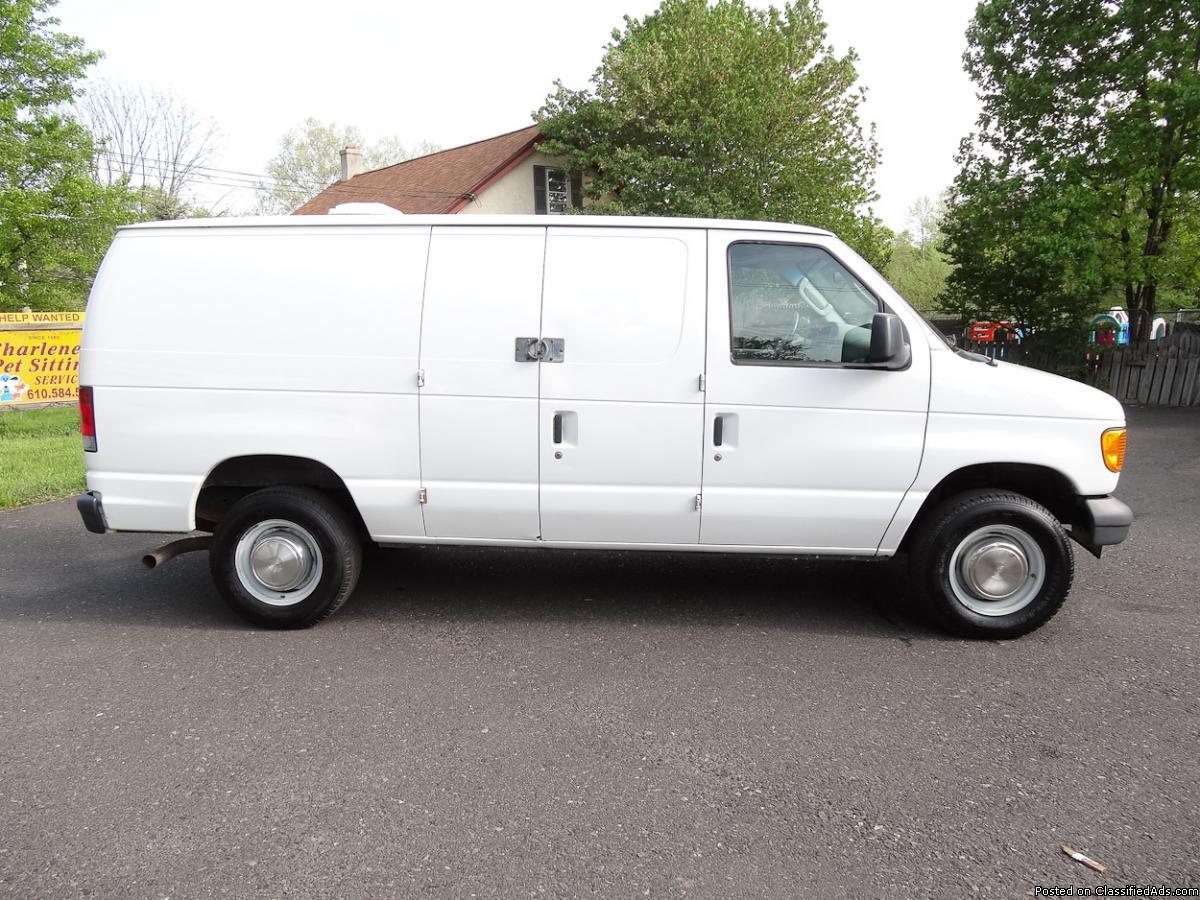 Ford E250 Econoline 3/4 ton Cargo Van