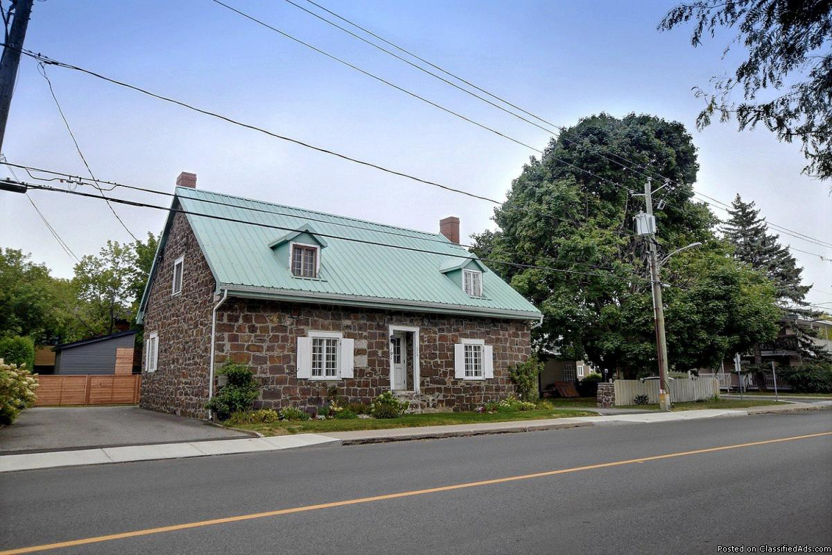 Historic house  with many possibilities in La Prairie