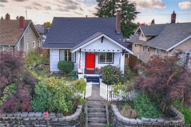 Must See! Absolutely Charming Tacoma Craftsman w/ Detached