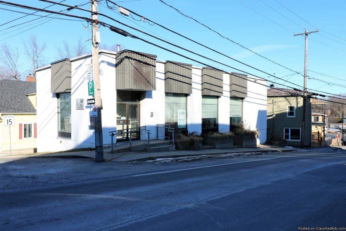 Commercial building for sale Vercheres $ + tx