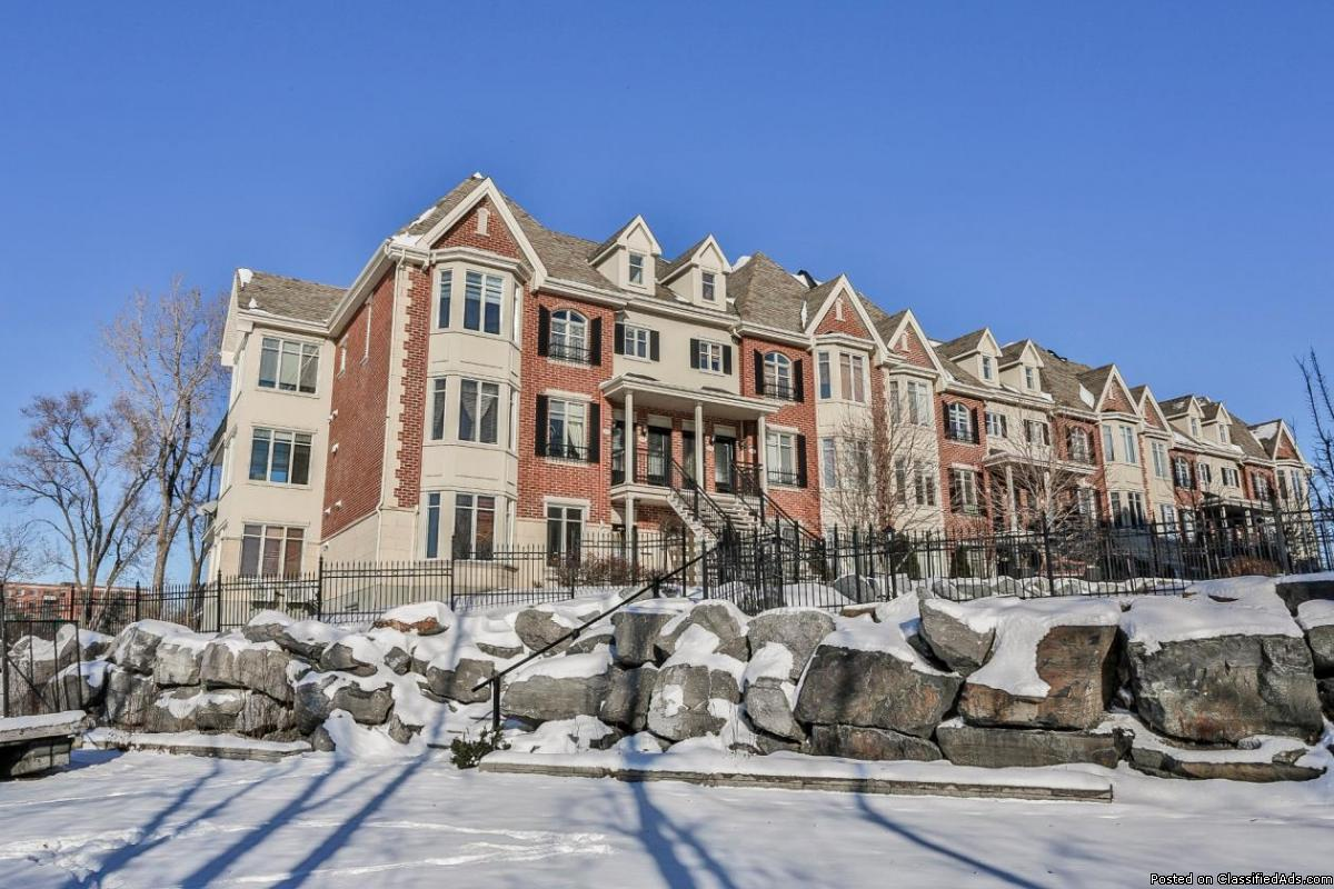 Upscale condo townhouse style Waterfront in Brossard