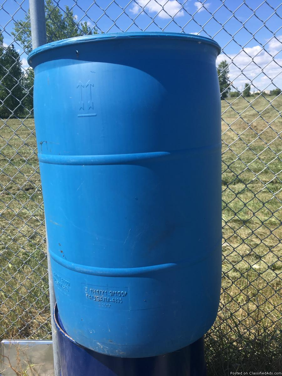 Huge sale on and free gift on 55 gallon poly drums for sale