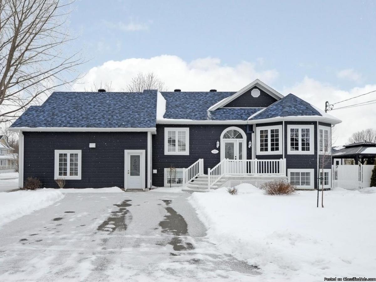 Superbe maison avec garage double Seulement $