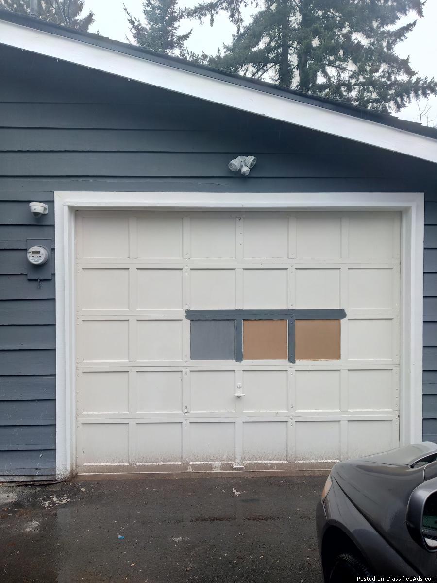 Emerald garage door